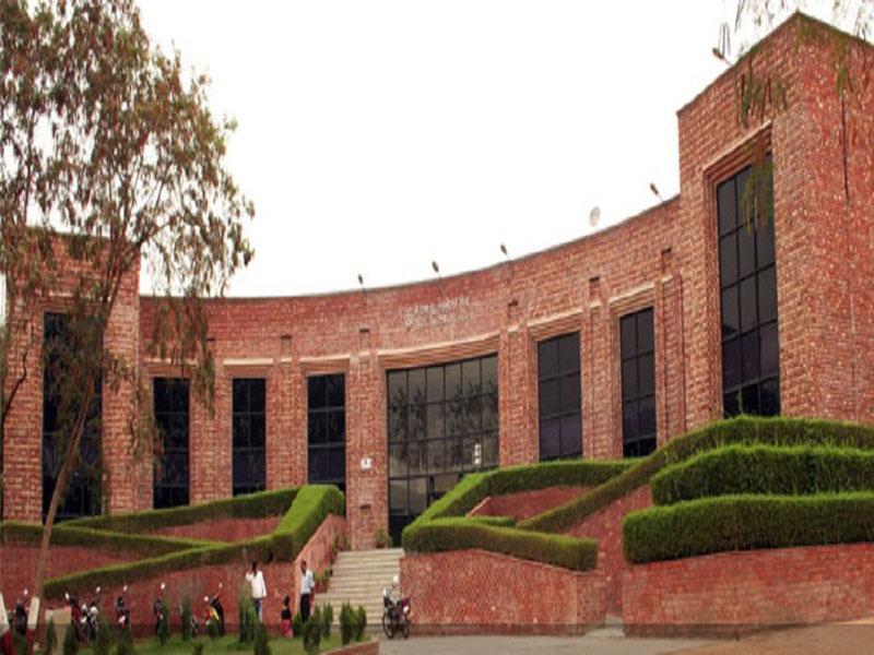 JNU-security-guard-clears-university-entrance-exam